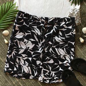Mario Serrani Italy Black and White Stretch Shorts
